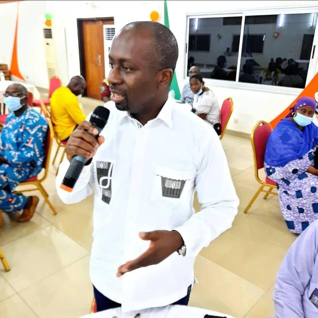nouvelle-vision-de-gouvernance-a-grand-bassam-le-maire-jean-louis-moulot-echange-avec-les-chefs-de-communaute
