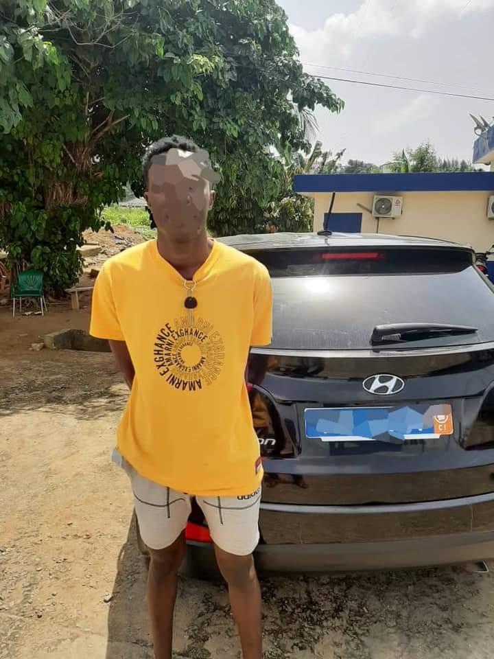 Cocody-Angré,vole,véhicule,met en garant,20 000 FCFA