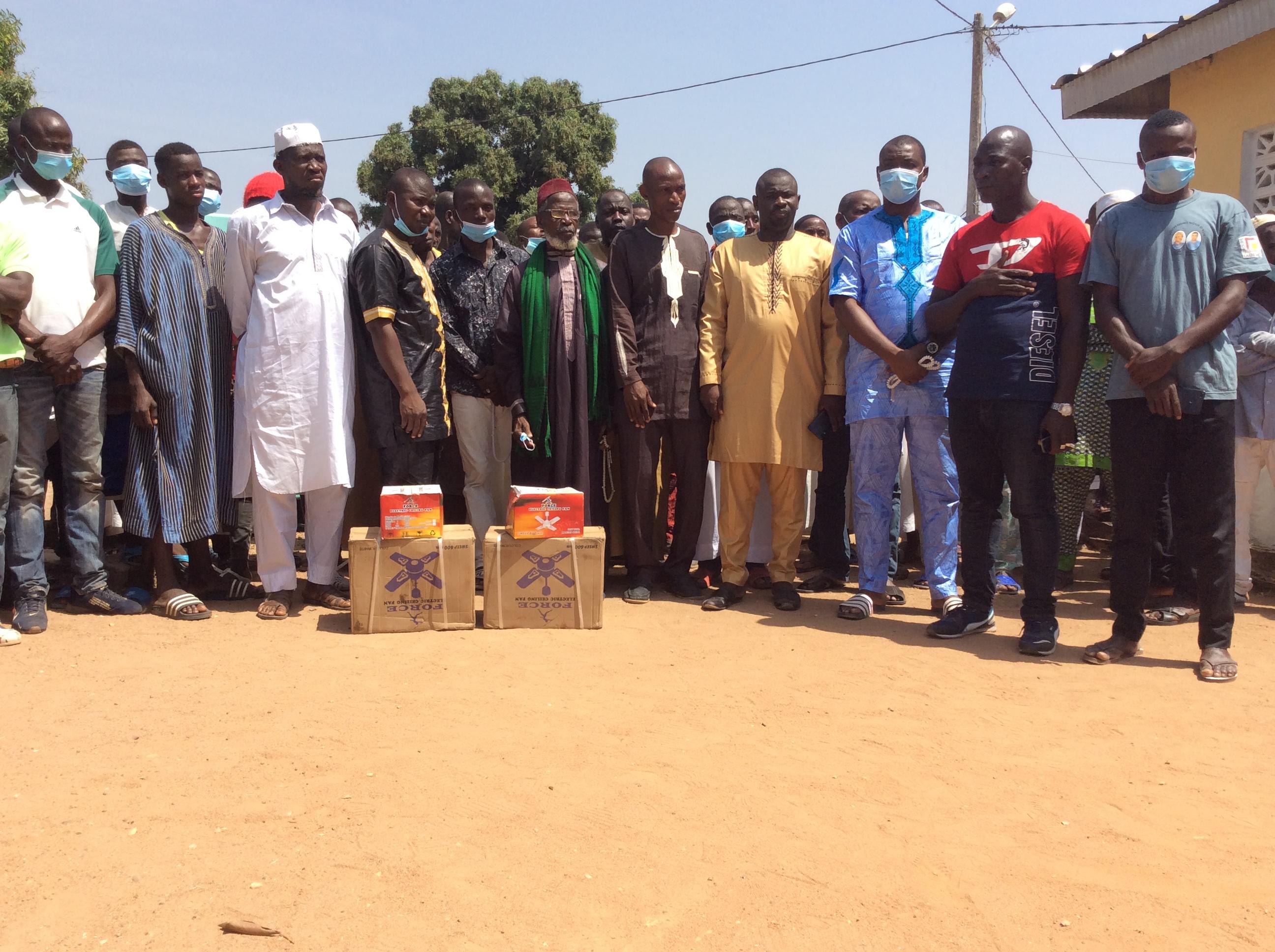 region-du-bafing-ousmane-bamba-porte-assistance-au-peuple-baralaka
