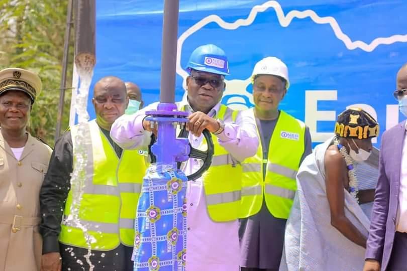 acces-a-leau-potable-les-ministres-adjoumani-et-tchagba-offrent-des-infrastructures-hydrauliques-a-plusieurs-localites-de-koun-fao
