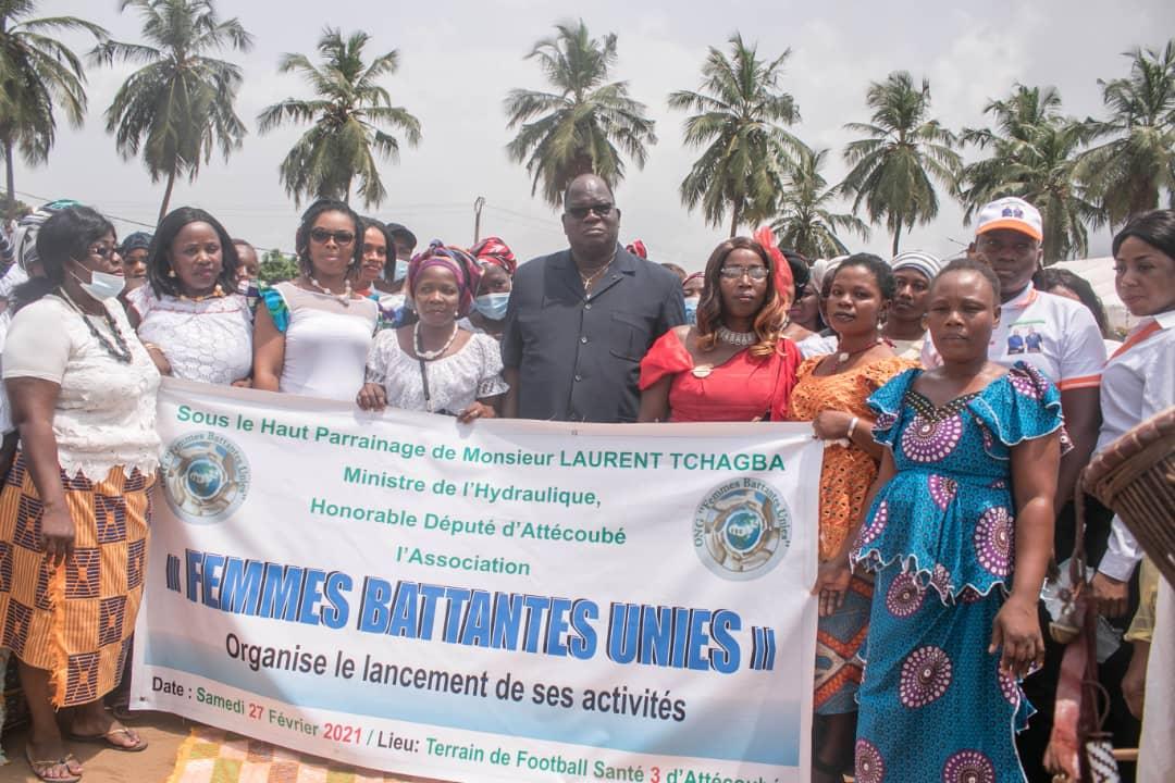 soutien-aux-veuves-et-aux-handicapes-laurent-tchagba-sengage-aux-cotes-des-femmes-battantes-unies-dattecoube