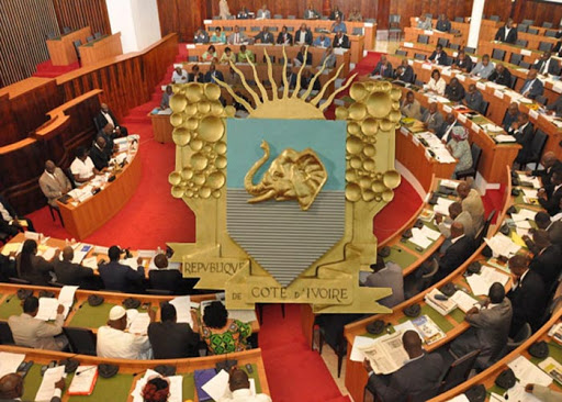 assemblee-nationale-les-deputes-invites-a-retirer-la-liste-des-pieces-pour-la-constitution-de-leur-dossier