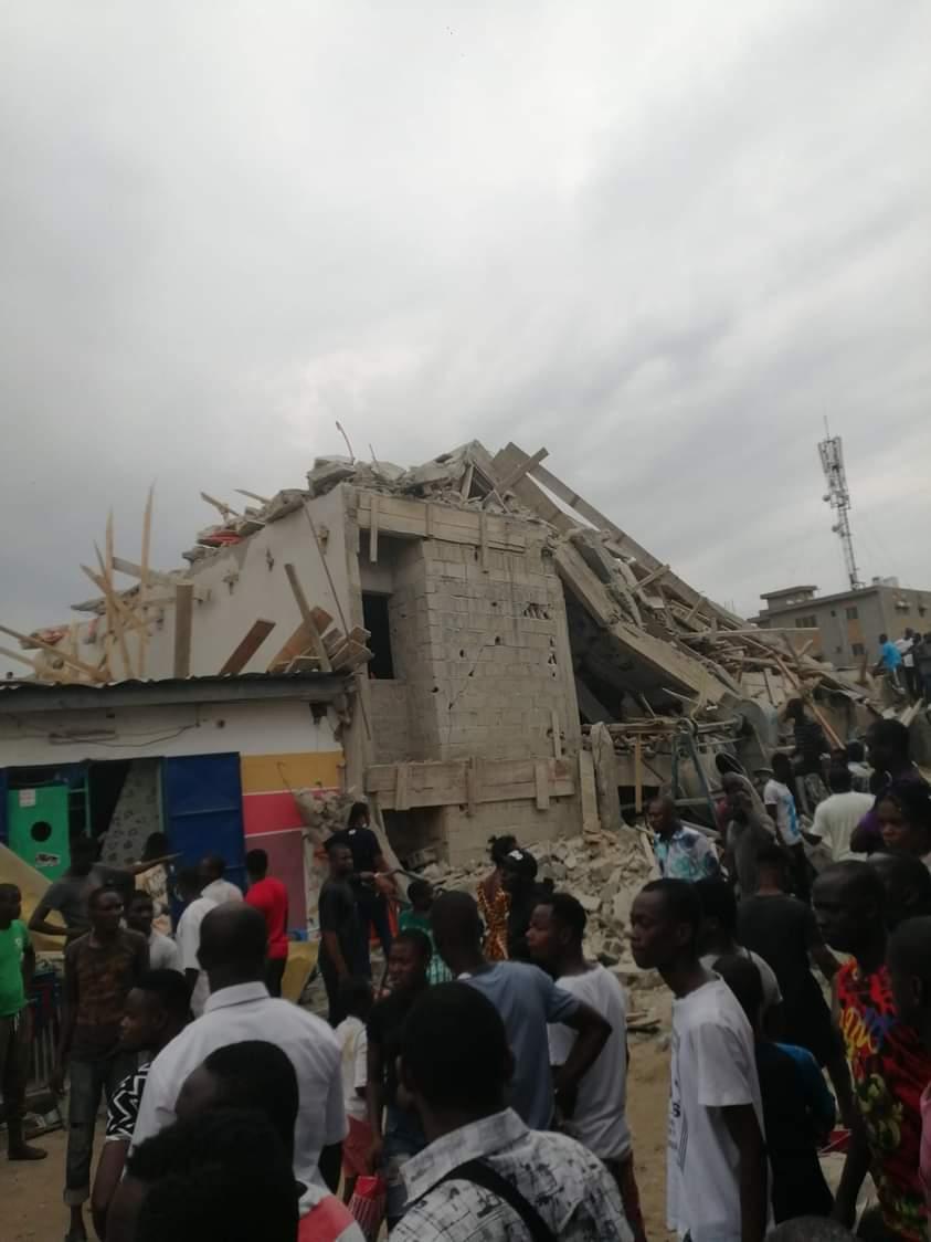 effondrement-dun-immeuble-a-la-riviera-2-riverains-et-ouvriers-sous-les-decombres