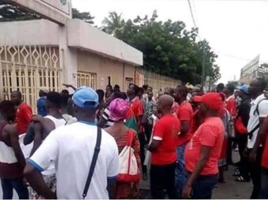 crise-a-lafrica-sports-les-supporters-en-colere-le-comite-de-normalisation-prend-les-choses-en-main