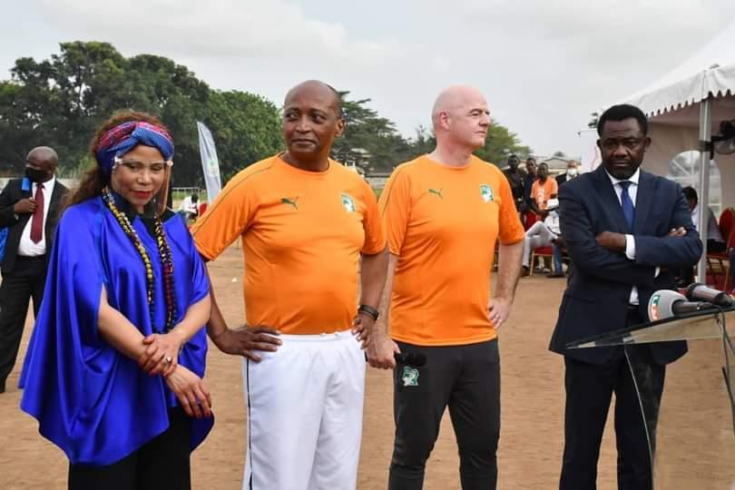 championnat-panafricain-scolaire-motsepe-lance-le-projet-a-abobo-avec-un-soutien-financier-de-6-milliards