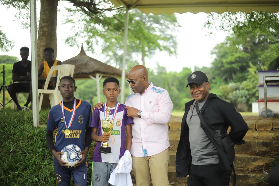 football-le-centre-de-formation-ivoire-academie-a-la-recherche-de-jeunes-talents