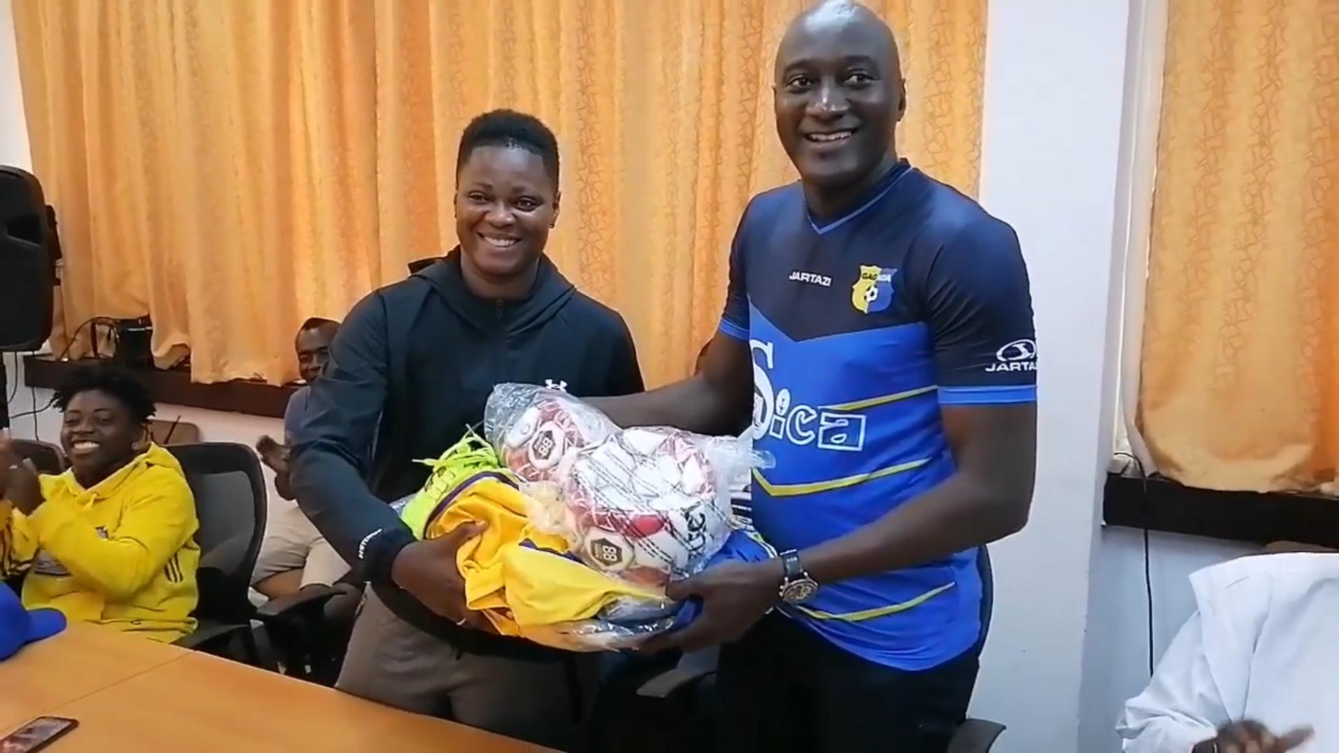 football-feminin-le-depute-maire-yssouf-diabate-soulage-les-onze-soeurs-de-gagnoa