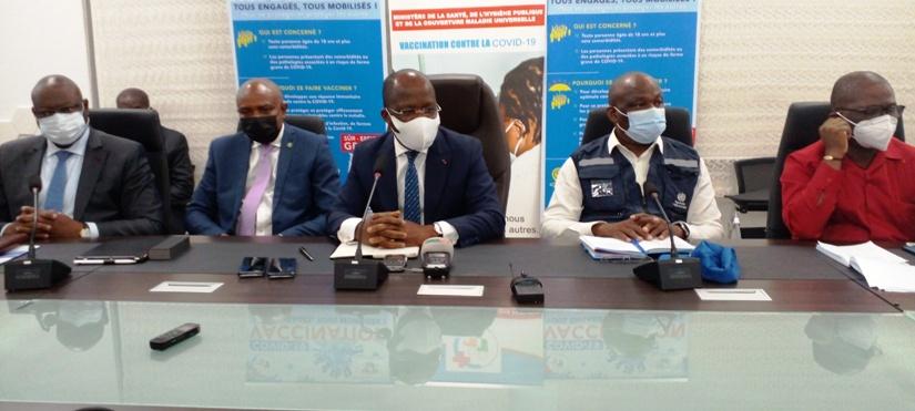pres-de-700-personnes-a-haut-risque-vaccinees-contre-le-virus-ebola-ministere