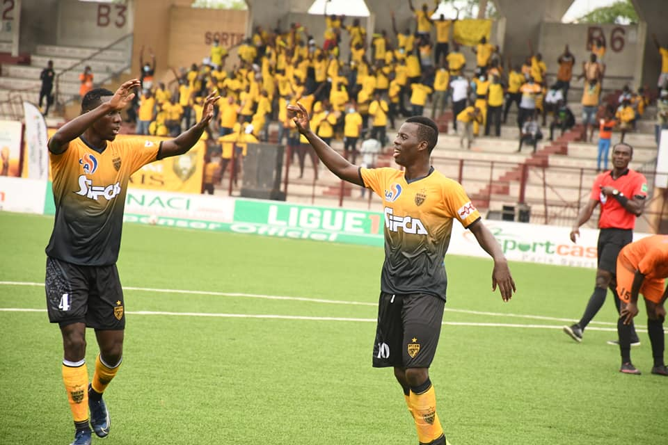 ligue-africaine-des-champions-lasec-mimosas-affronte-le-cr-belouizdad-dalgerie-ce-samedi-au-stade-champroux