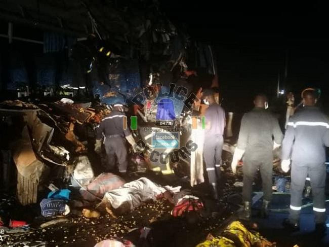 accident-de-la-route-20-morts-dans-une-collision-entre-un-camion-et-un-car