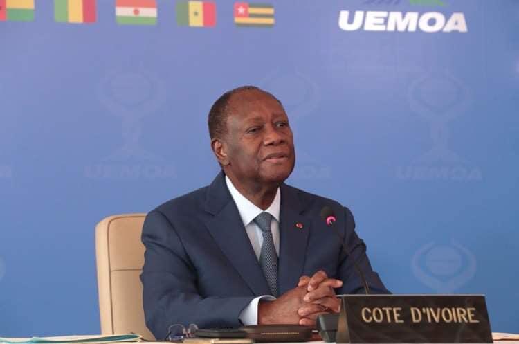 alassane-ouattara-preside-la-22e-session-ordinaire-de-luemoa-sur-la-covid-19
