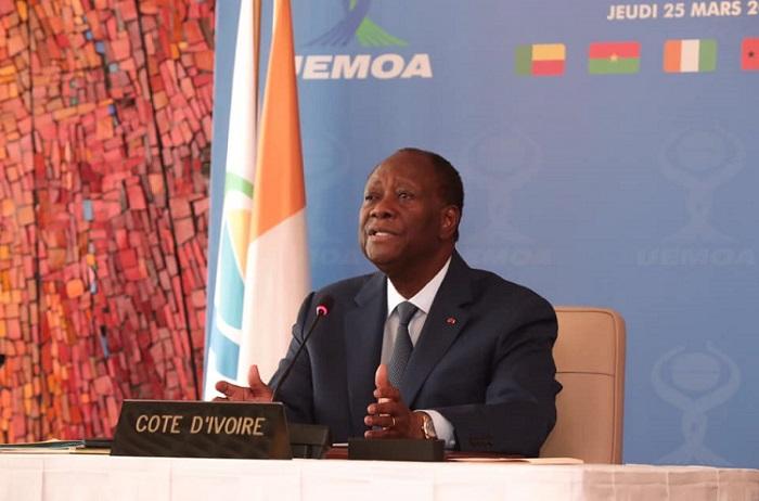 uemoa-ouattara-fait-le-point-et-passe-la-main
