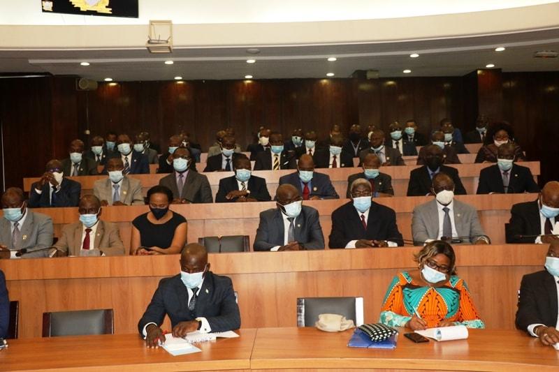 assemblee-nationale-la-repartition-des-groupes-parlementaires