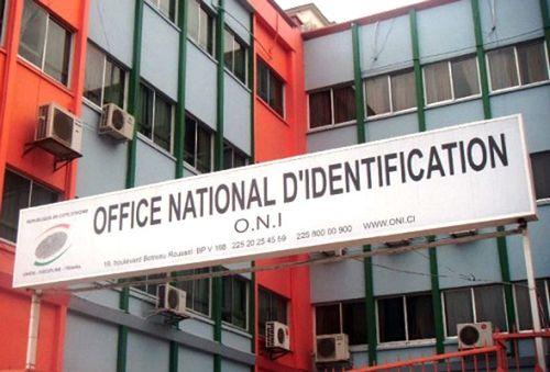 distribution-des-nouvelles-cartes-didentite-le-calvaire-des-petitionnaires