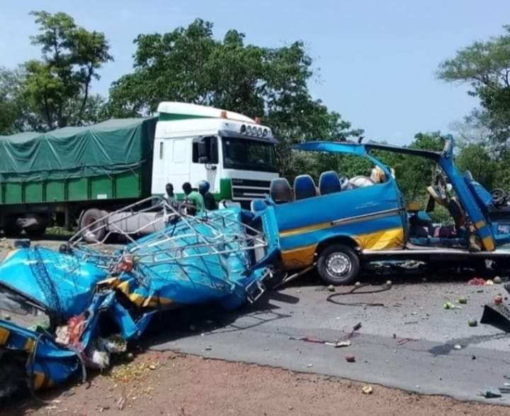 drame-17-morts-dans-une-collision-sur-laxe-bouake-katiola