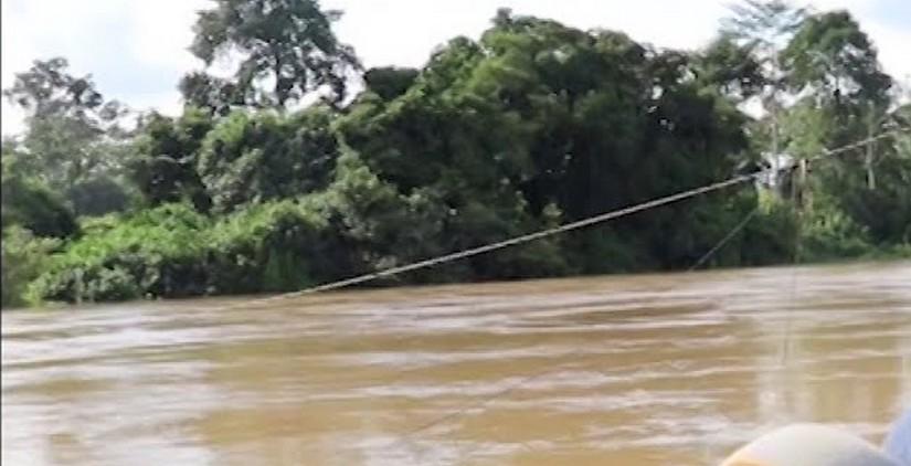un-camion-chute-dans-le-fleuve-comoe-a-abradinou-et-fait-six-morts