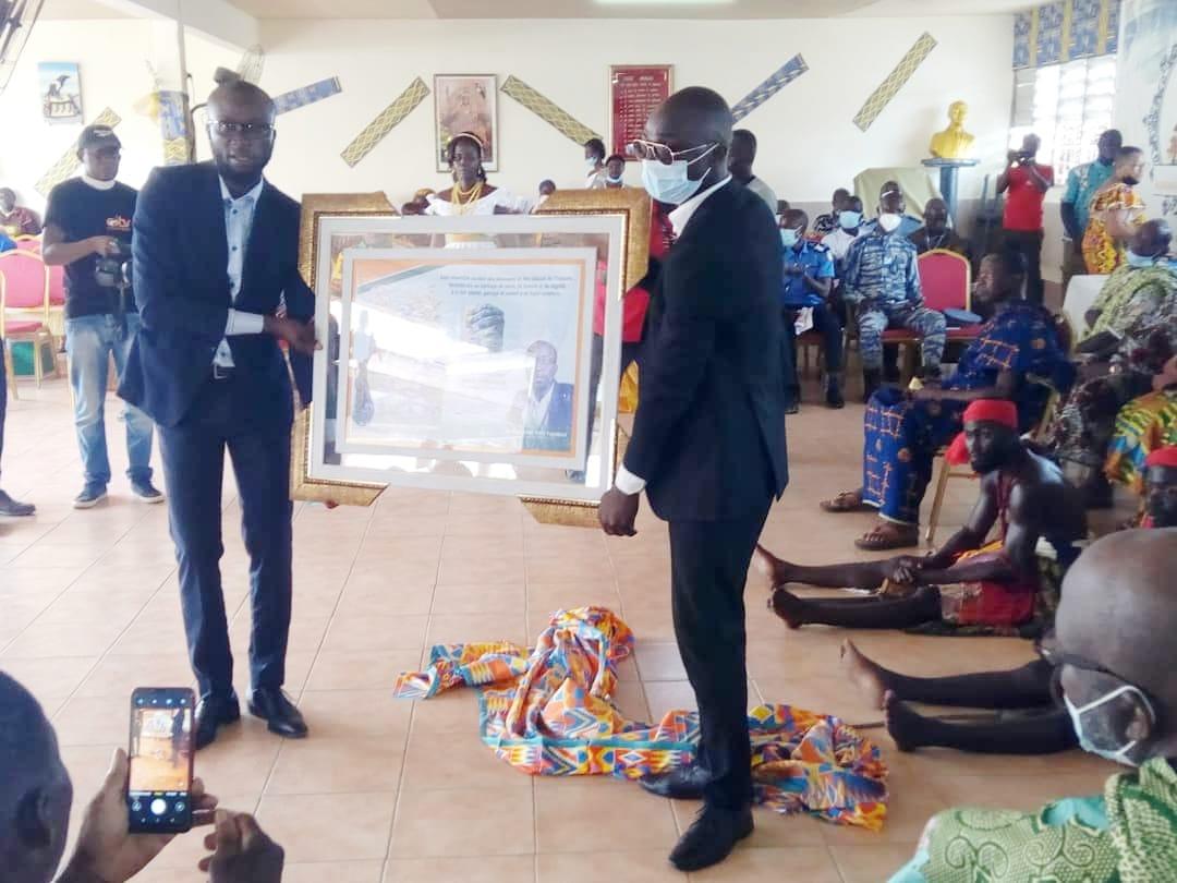 30e-anniversaire-de-lintronisation-du-roi-de-moossou-le-travail-de-nanan-kanga-assoumou-salue-par-les-operateurs-economiques