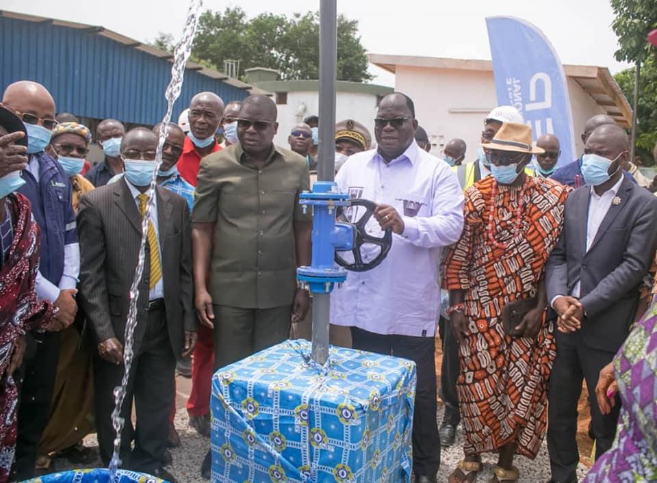acces-a-leau-potable-le-ministre-laurent-tchagba-inaugure-deux-unites-de-production-a-divo