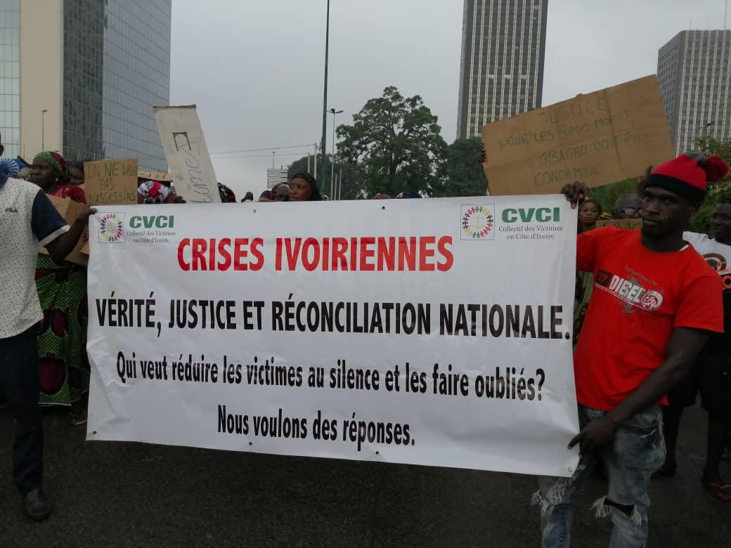 retour-de-laurent-gbagbo-des-victimes-de-la-crise-post-electorale-ont-manifeste-ce-lundi