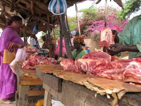 augmentation-du-prix-de-la-viande-vendeurs-et-des-consommateurs-indignes-crient-leur-colere