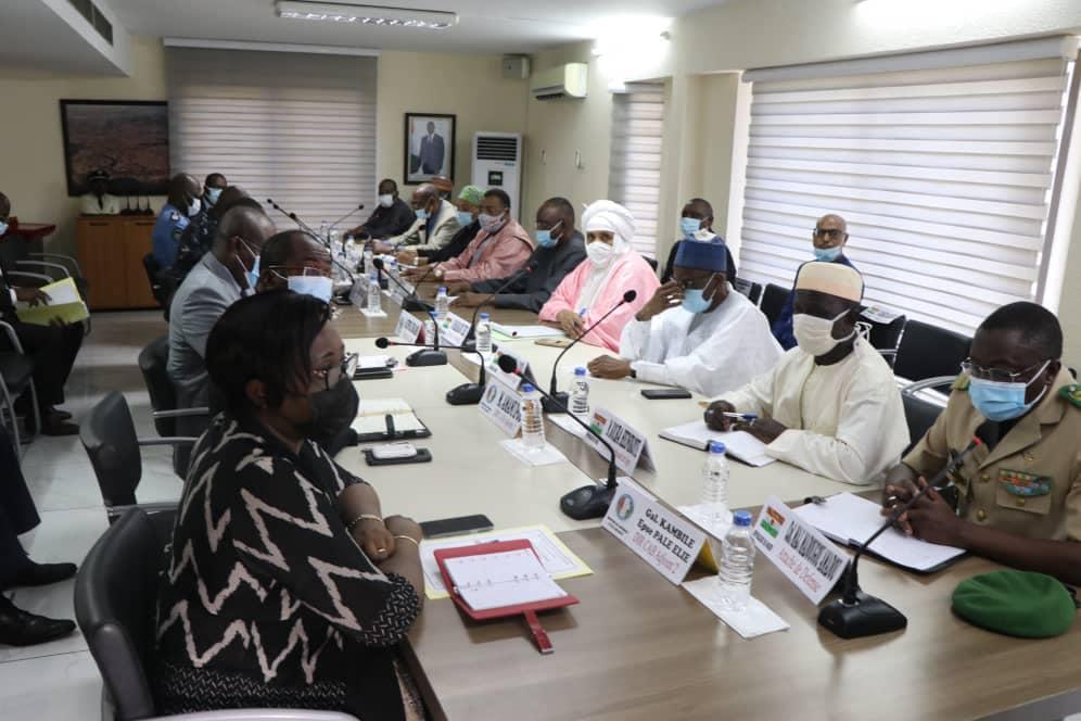 gestion-des-incidents-entre-nigeriens-et-ivoiriens-le-ministre-de-la-securite-recoit-une-delegation-ministerielle-du-niger