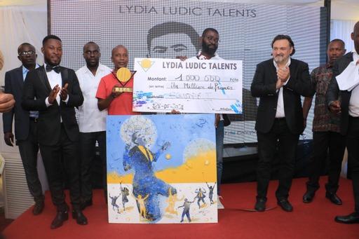 1ere-edition-de-quotlydia-ludic-talentsquot-raymond-alex-loukou-et-gnohite-heureux-laureats