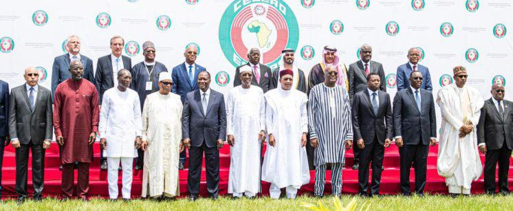 les-dirigeants-de-la-cedeao-suspendent-le-mali-de-ses-institutions