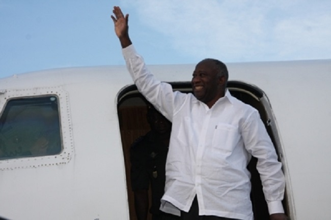 revue-de-presse-retour-en-triomphe-ou-retour-en-catimini-de-gbagbo-la-grande-equation