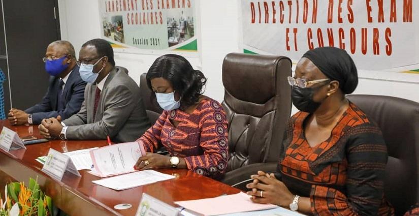 examens-session-2021-pr-mariatou-kone-appelle-a-la-conscience-professionnelle-de-tous-les-acteurs