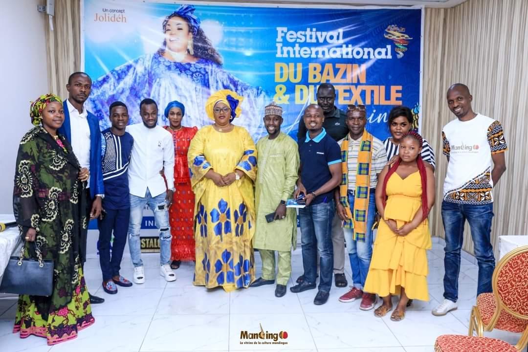 mode-le-festival-international-du-bazin-et-du-textile-africain-pour-valoriser-les-tissus-et-etoffes-du-continent