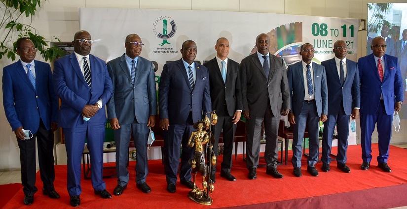 le-ministre-adjoumani-lance-un-plaidoyer-pour-des-prix-remunerateurs-aux-petits-producteurs-dhevea