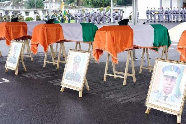la-nation-ivoirienne-rend-hommage-aux-cinq-soldats-tues-dans-des-attaques-au-nord-du-pays