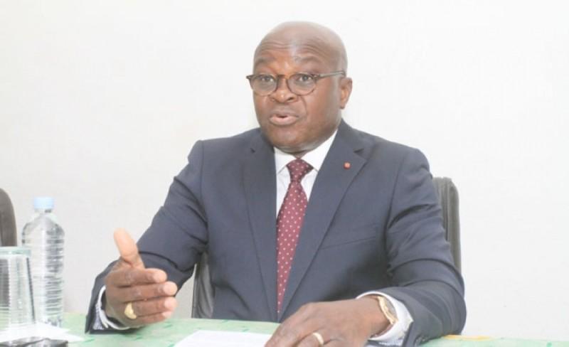 le-gouvernement-ivoirien-suspend-plusieurs-directeurs-generaux-de-leurs-fonctions