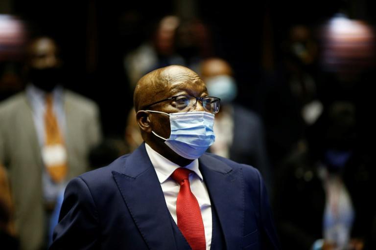 afrique-du-sud-zuma-obtient-le-reexamen-de-sa-condamnation-ses-soutiens-rassembles