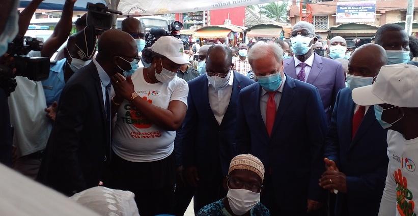la-banque-mondiale-sengage-a-accompagner-lacceleration-de-la-vaccination-contre-le-covid-19-en-afrique