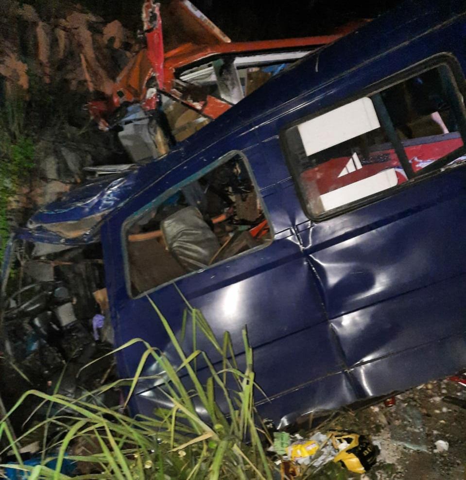 accident-de-la-circulation-sur-lautoroute-du-nord-23-morts-et-33-blesses
