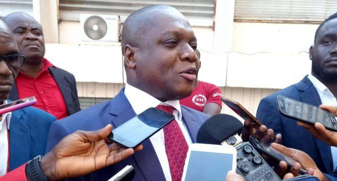 ouattara-gbagbo-mesmin-komoe-se-felicite-de-la-rencontre-entre-les-deux-presidents-et-fait-des-propositions