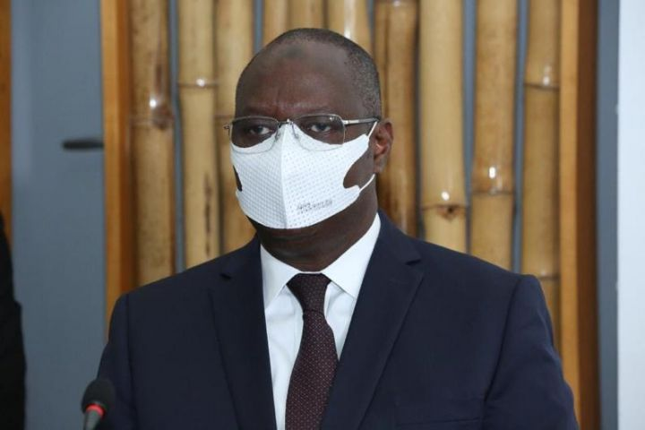 coronavirus-un-ministre-de-ouattara-se-met-en-confinement