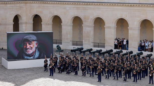 la-france-rend-hommage-a-jean-paul-belmondo