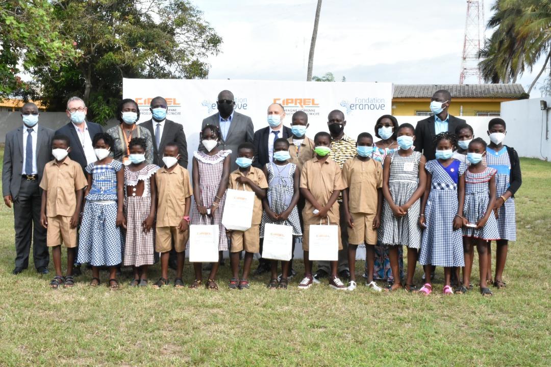 rentree-scolaire-2021-2022-la-fondation-eranove-et-ciprel-font-un-don-de-pres-de-27-millions-fcfa-de-kits-scolaires-a-3-000-enfants